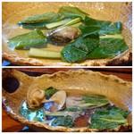 Obubu - ◆はまぐりの小鍋・・はまぐり1個と青菜が入っていて、出汁はお味付き。 はまぐりの口が開くと頂けます。