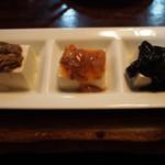 沖縄料理 琉球 - 珍味三種盛り(ワタ・タコ・スミイカ)
