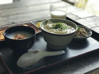 とうふの比嘉 - トップフォト お年寄りゆし豆腐セット