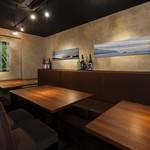 ギンザ うおぬま - テーブル席10席(個室)