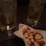 DINING&BAR Sofa - ハイボール&ミックスナッツ