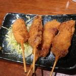 駅の串揚げ家 - 佐助豚の串揚げカシラ、ヒレ、バラ、タン