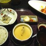 旬懐石 松寿し - お刺身御膳・天ぷら御膳共通のご飯セット