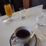 ドッグカフェもふもふ - ドリンク写真:珈琲とオレンジジュース
