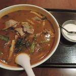 個室Dining 新荘園 - 豚レバー入り激辛汁そばと杏仁豆腐