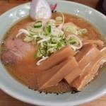 梅光軒 - 「醤油ラーメン」(780円)に「メンマ」をトッピング(100円)