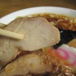 盛昭軒 - 鶏チャーシューが特徴的です。