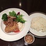 アリス アクア ガーデン - 油淋鶏定食、850円