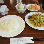 美麗華 - 料理写真:細ぎり肉の野菜炒めランチ800円