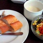 8031213 - セット(サラダ、前菜、スープ、パン)