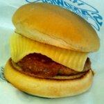 ハンバーガーショップれたす - ミートチーズバーガー