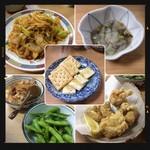 大衆酒場 酒呑んで飯食って蛙之介 - キムチ炒め・たこわさ・煮こみ・枝豆・チーズクラッカー・鶏から揚げ