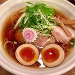 麺屋 信成 - 熟成醤油700円・味玉150円
