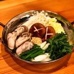 担ぎ屋 - 冬限定牡蠣鍋