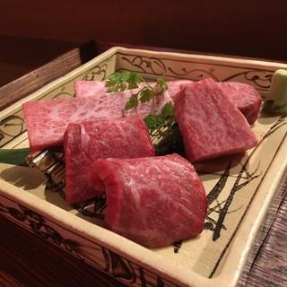 【特選和牛】素材(和牛メス肉)や味、鮮度にこだわる