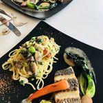 ポルトアズーロ - あさりのパスタとメインの魚料理