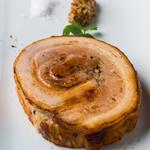 もち豚バラ肉のポルケッタ