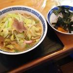 丸喜 - 料理写真:筑豊ちゃんぽん&おにぎり