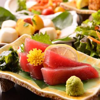 地鶏以外にも焼津港直送の鮮魚も当店にてお楽しみください