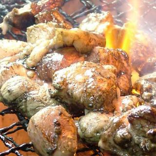 クーポン利用で自慢の地鶏が食べ飲み放題でなんと3,000円!