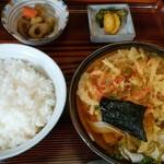 仲よし - 天ぷらうどんセット、¥800。