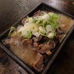 鉄板処 いいもや - イベリコ豚のサイコロステーキ(880円)