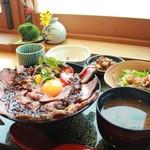 割烹バル 京ひろ - ローストビーフ丼