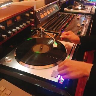 アナログレコードで音楽を楽しむ!!