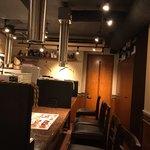 KollaBo - カウンター席はゆったり目で12席あります