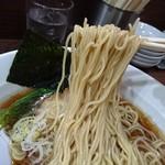 一刀流らーめん - 煮干醤油ラーメン 麺リフト