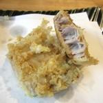 オリーブ天ぷら 玉衣 - かんぱち、身厚^