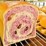 こぐまパン - 紅いもロール
