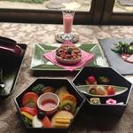 杉幸園 - 料理写真:2 月のおまかせコースです。デザートプレート付 3500円は、ご予約にて承っております。