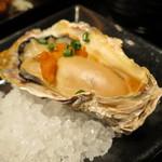80345327 - 牡蠣の雲丹焼き