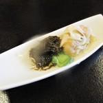 四季のお料理 きくや - 4,000円のお料理の 白身魚甘酢漬け、もずく酢。      2018.01.27