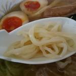UFO物産館 - 飛び魚ラーメン(680円) 麺アップ