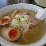UFO物産館 - ダブル地鶏塩ラーメン(650円)+煮玉子(クーポン使用)