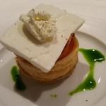 ヒロト - ③トマトのタルト、生ハム、ヨーグルトのパルフェ、自家製リコッタチーズを添え