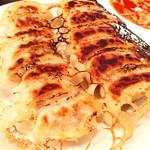 星萬 - 餃子(ニンニク餃子&野菜餃子)