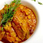 エムナチュール - 骨付鶏もも肉と4種豆コトコト煮込み/¥1,360