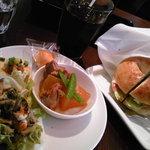 マッシュ Bagle /Tapas & Wine - ランチ(ハムチーズサンドとお惣菜・サラダ・ドリンク)