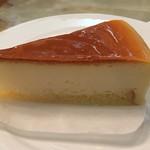 コーヒーの大学院 ルミエール・ド・パリ - ケーキは、ベイクドチーズケーキにしました。
