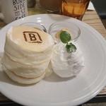 BURN SIDE ST CAFE - パンケーキ