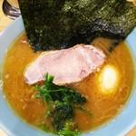 80354267 - ラーメン並+海苔+味たま。¥500+¥100+¥プライスレス(チラシクーポン)