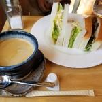 雑貨カフェ ブロッサム - 料理写真: