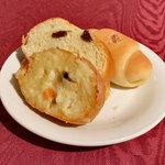 ロビンソン キタハマ - 自家製パン
