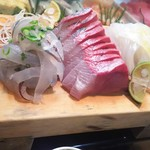 かわなみ鮨 - さより昆布〆、カンパチ、烏賊