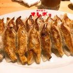 神戸餃子 オレギョ - 多分にんにくダブル餃子