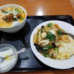 80372564 - 担々麺セット