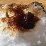 阿左美冷蔵 - 秘伝みつ つぶあん 黒蜜付き 1,100円に黒蜜とつぶあんをON!